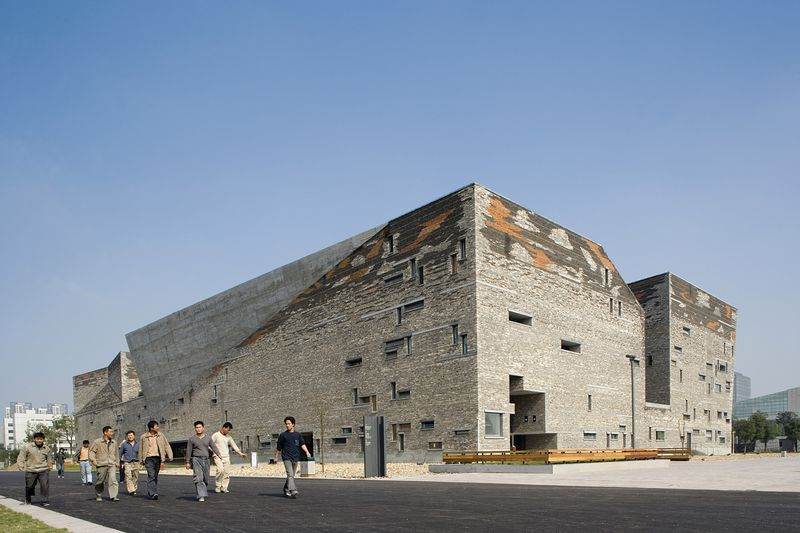 Pritzker Architecture Prize Awarded to Chinese for First Time